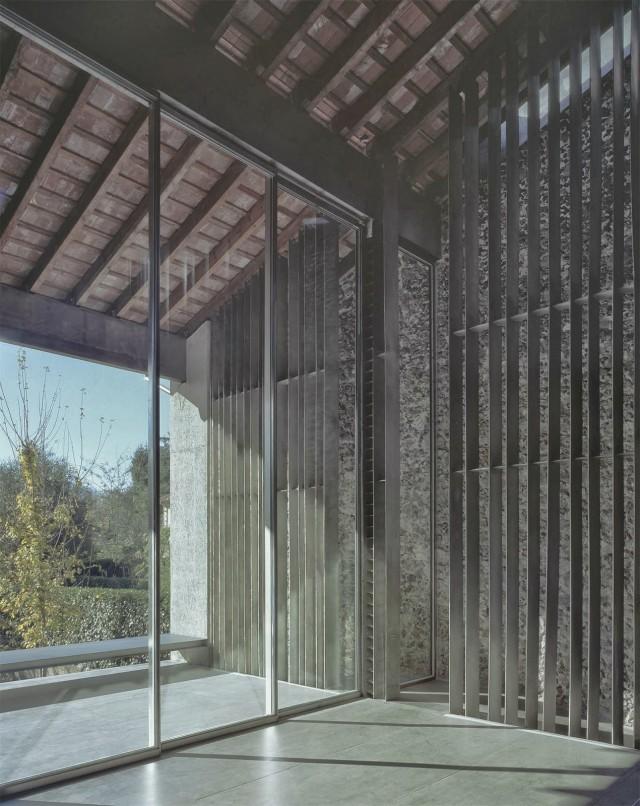 rcr-arquitectes-.-Casa-Entremuros-.-Olot-7-640x806